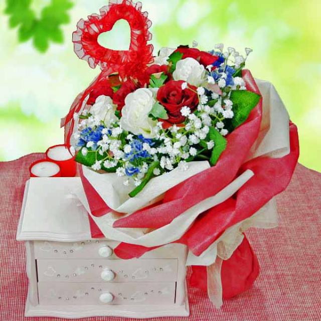 6 Red White Artificial Roses Handbouquet