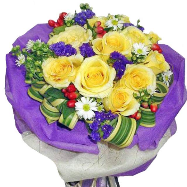 12 yellow Roses hand bouquet.