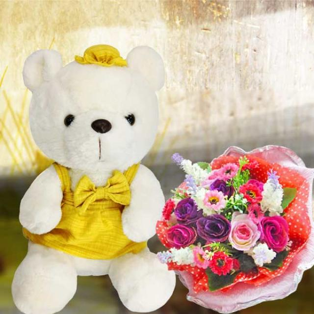8 inches Cream Bear with Artificial Roses Posy