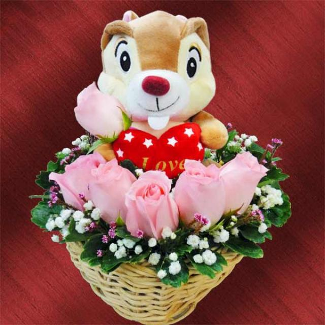 6 peach roses with bear arrangement