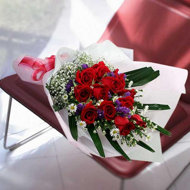 12 red roses hand bouquet Long Wrapping