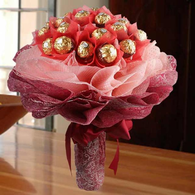 24 Ferrero Rocher Hand Bouquet