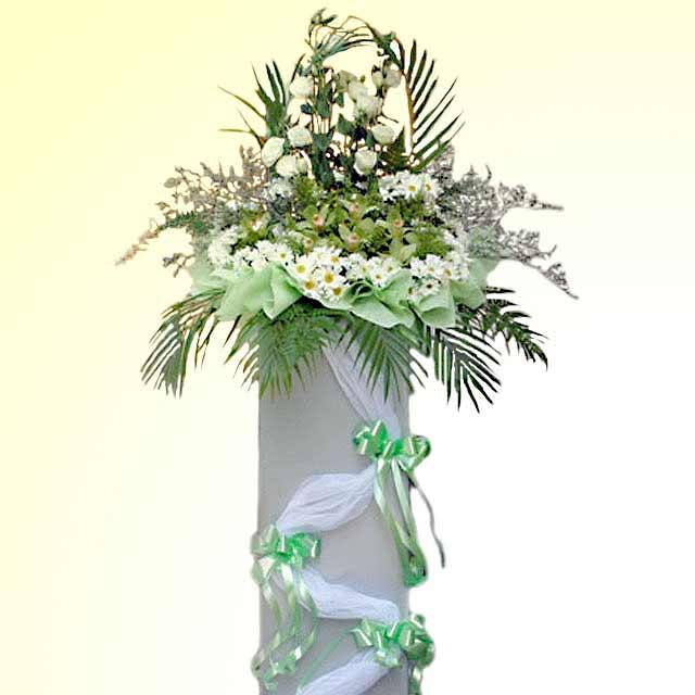 White Roses with Cymbidium Orchid Arranged on Box stand 5' height( need 1 day advance order )