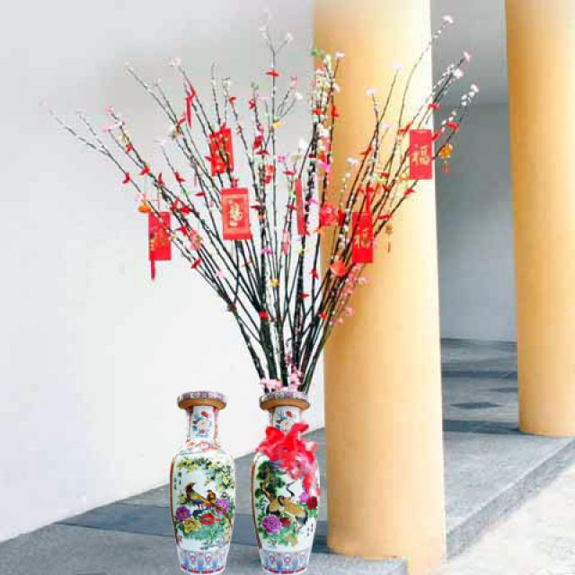 6 feet pussy willow decoreated with chinese decoration with Vase