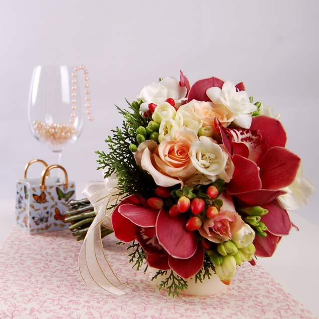 Red Cymbidium Orchid with champagne rose Hand Bouquet Bouquet