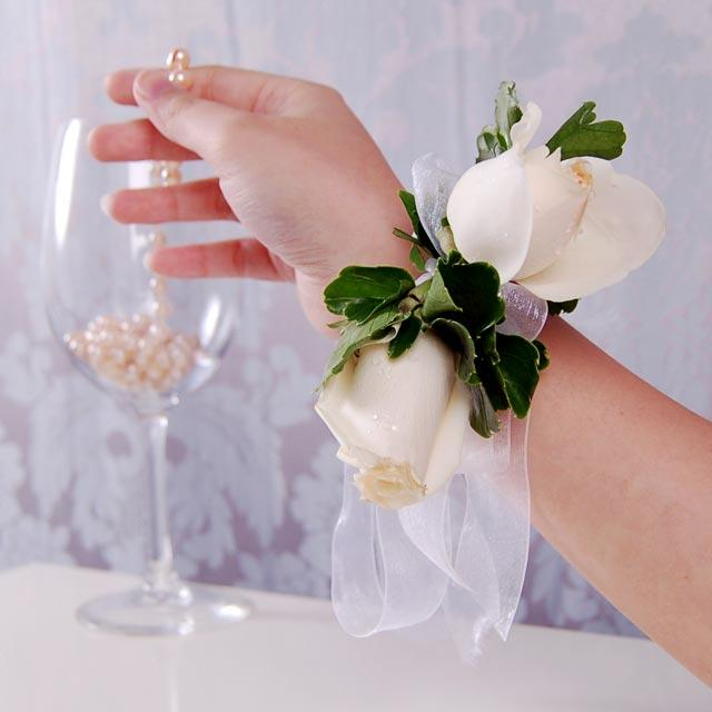 Cream Rose Wedding Wristlets