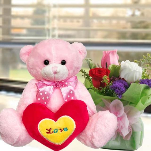 "3 Roses standing bouquet With 8"" (MOM I love u) Bear"
