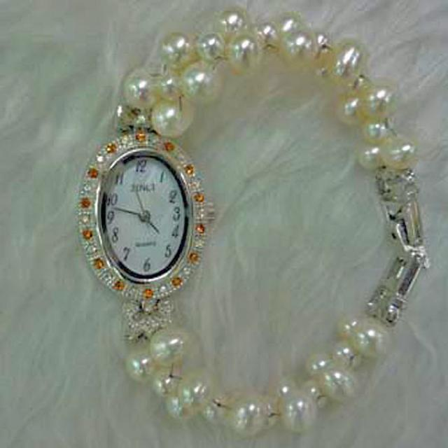Pearl Color Bracelet Watch Simple Elegant