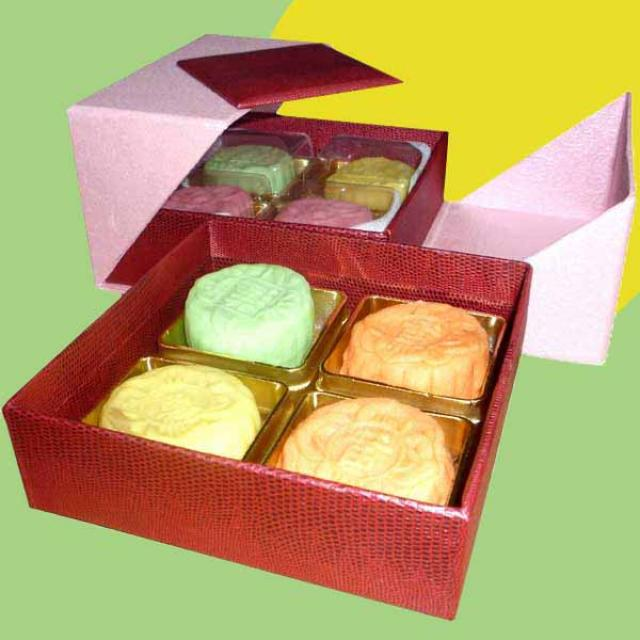 Fresh durian mini Snow Skin moon cake 8pcs per box