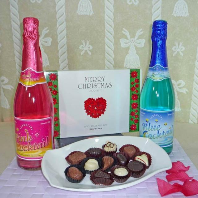 Pink And Blue Sparkling Non-alcoholic Cocktail With 12 Pcs Exotic Assorted Chocolates for christmas