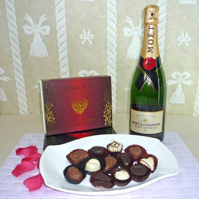 Moet & Chandon Brut Imperial (75cl) with 12 Pcs Exotic Assorted Chocolates for your sweet hear
