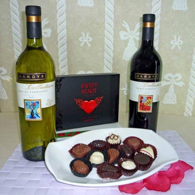 Australian Hardy's Collection wines ( 1 Red 1 White ) with Chocolate