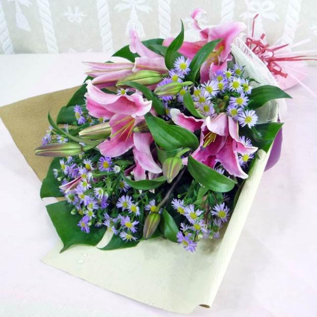 Pink Lily with purple pheonix Handbouquet ( Need 1 working day advance order )