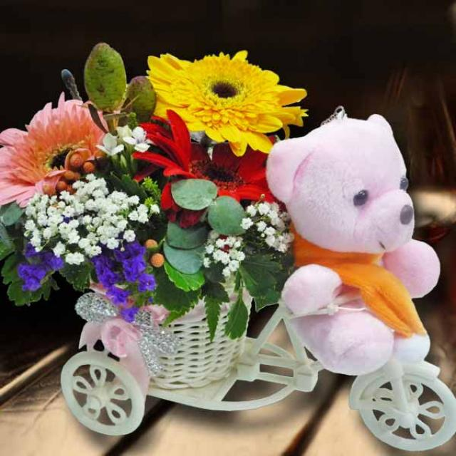 10cm Bear Riding Mini Tricycle Garden