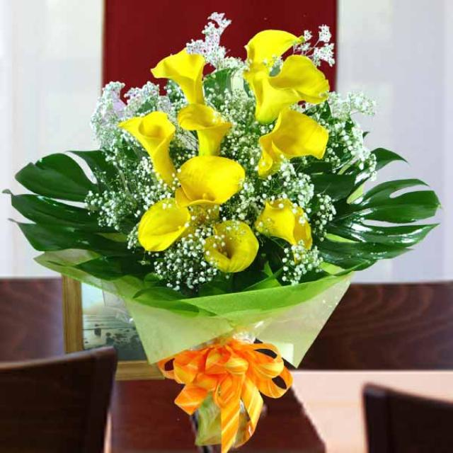 10 Calla Lily Yellow with Babybreath Handbouquet