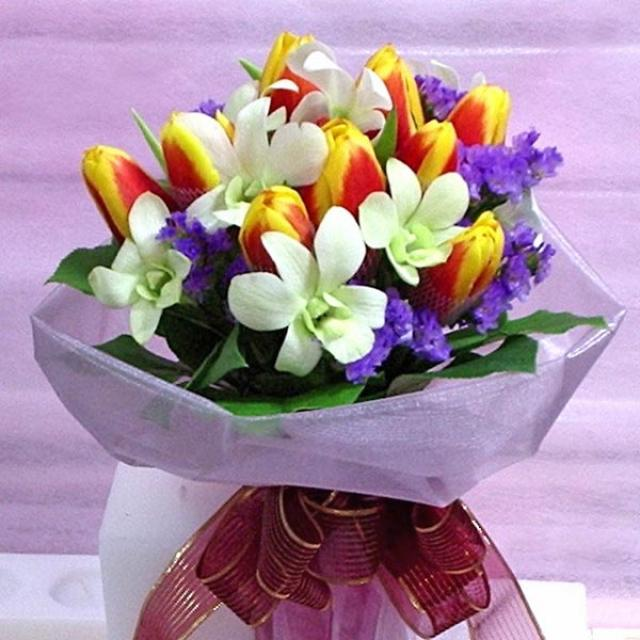 2 Tone Tulips mixed with White Orchids Hand bouquet