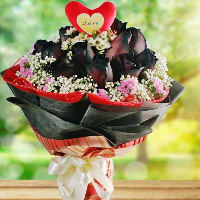12 Black Roses with Heart-Shape tag at center