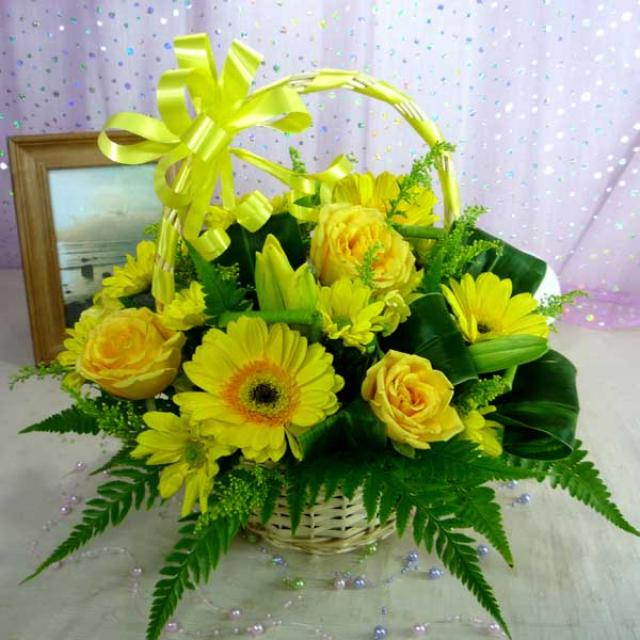 Yellow Roses & Gerbera Basket Arrangement