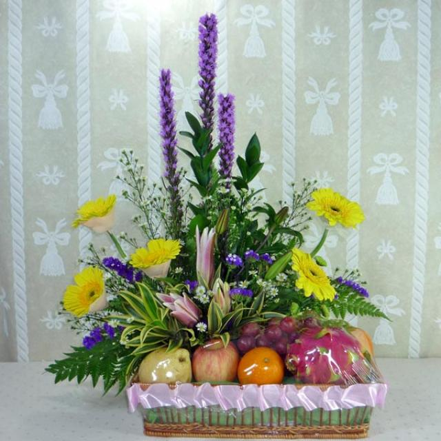 Mixed Fruits Arrangement