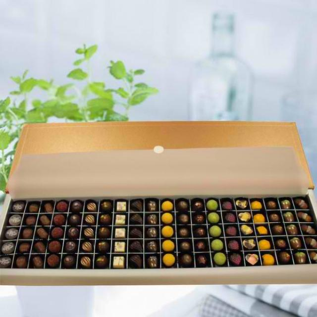 Elovela Gourmet (Fresh) Praline Chocolates 100 pcs ( 3 Days advance order )