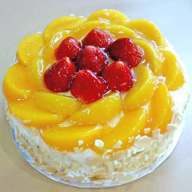 Add-On Strawberry & Peach Cake 1 Kg