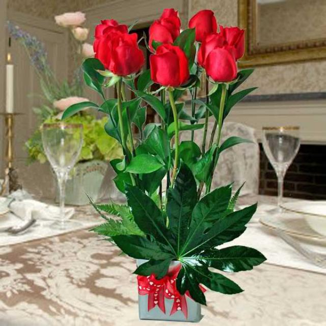 10 Red Roses Standing Bouquet