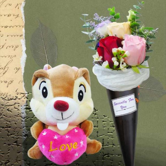 3 Red Rose Standing Bouquet & 18cm Bee