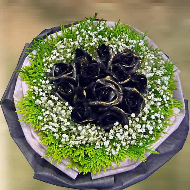 Spray Color Black Roses Bouquet Delivery