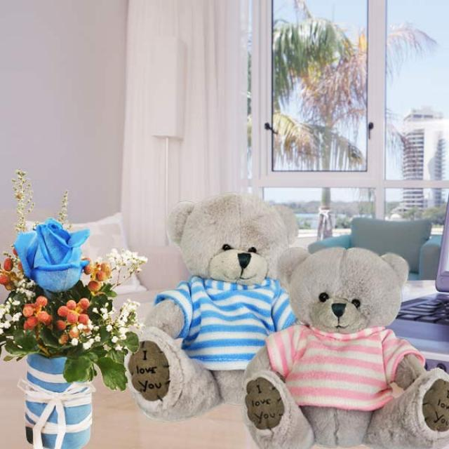 15cm Couple Bear & Blue Rose Standing Bouquet