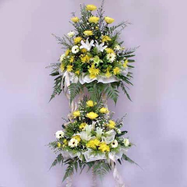 Lily and Chrysanthemum 2 tiers 5 feet height arrangement.