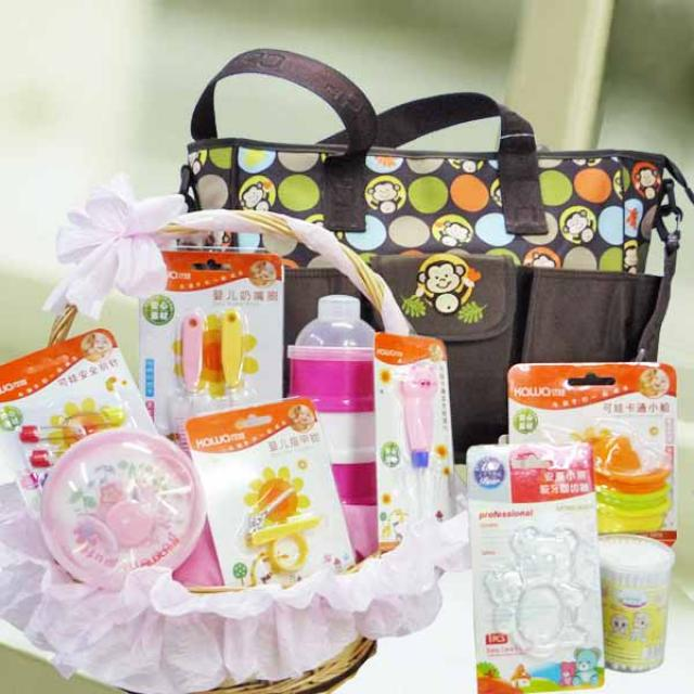 Baby Girl Hamper BB090