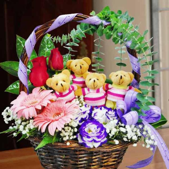 4 Mini Bears With 10 Roses Basket Arrangement