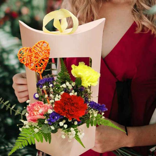 3 Carnations Arrangement Can Be Hand Carry