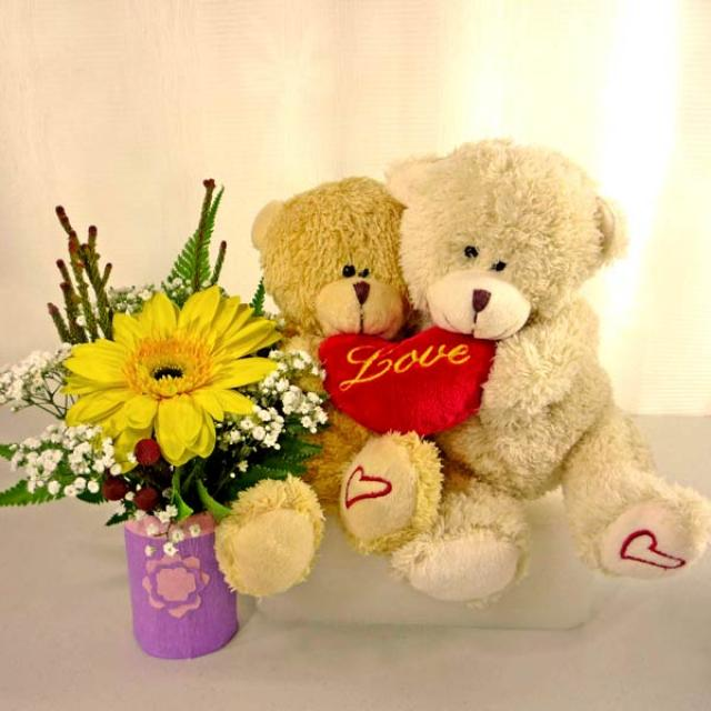 Bears & Gifts - Gifts Singapore | Flowers and Gifts