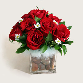 12 Red Roses arranged in Glass Vase
