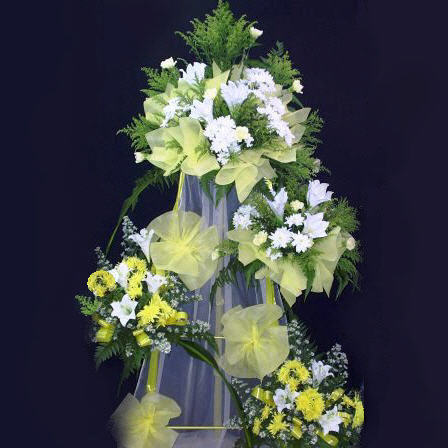 Artificial lily and Fresh Pompom 4 tiers.