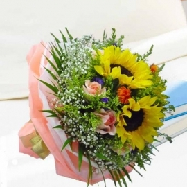 3 sunflower with 10 champagne roses with babybreath.