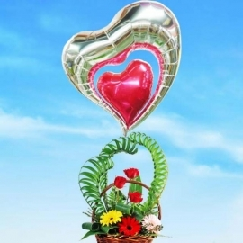 Love Balloon & Fresh Flowers Arrangement