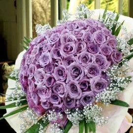 99 Natural Classic Purple Roses Handbouquet (Kindly order 2 days in advance)