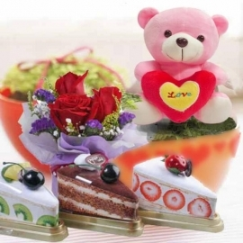 3 Towel Cakes Slice, 3 roses Bouquet & 16cm Bear