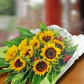 10 SunFlowers Hand Bouquet Delivery