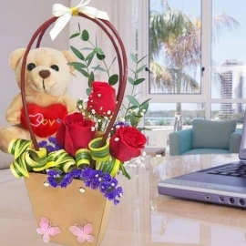 18cm Bear with 3 Red Roses Standing Bouquet