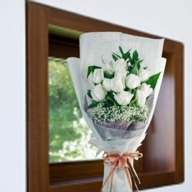 White Roses Long Wrapping Hand Bouquet